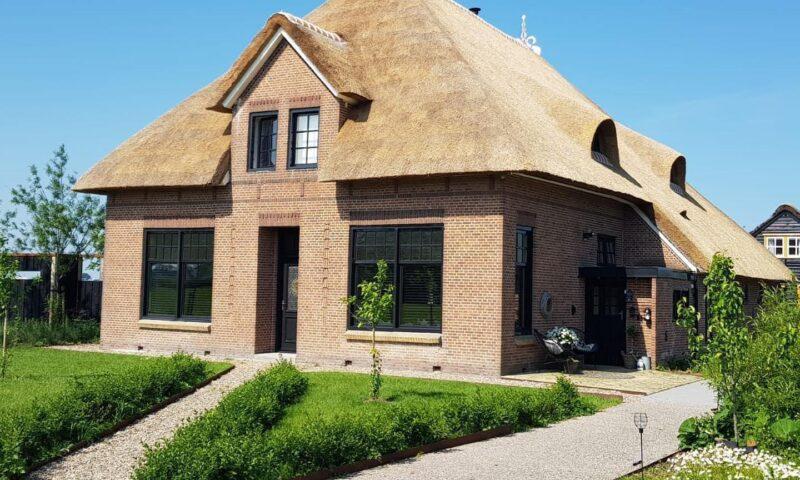 Woonboerderij en buitenverblijf Boksum