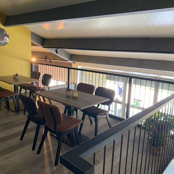 Cafetaria lunchroom 'Iterij de Fuorman' Hurdegaryp   Wekelijks halen wij met ons team op vrijdag een heerlijke snack bij @wiersmajellie en haar team. Hoe leuk is het dat wij de nieuwe lunchroom compleet mochten schilderen. Vorige week opende ze de deuren van deze luxe ingerichte nieuw zaak! Een aanwinst voor het dorp Hurdegaryp🤩  #mentorschilderwerken  #cafetarialunchroomieterijdefuorman #hurdegaryp #leeuwarden #fryslân